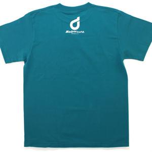 街中にあるスピーカーTシャツ