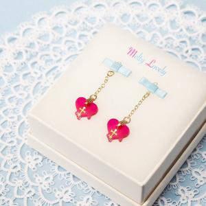 【少女死体図鑑コラボ】水色リボン+ピンクとろけるハートのピアス【イヤリング変更可】