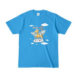 ジラッフがon the skyした空のTシャツ