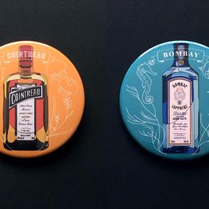 お酒と海の生物缶バッチ - 76mm