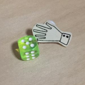 ダイスロールイヤリング (黄緑・1d6) c4
