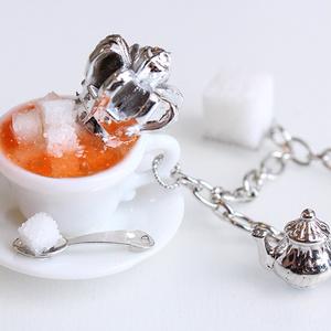 【受注生産】ティーカップ山盛り角砂糖バッグチャーム(シルバー/ゴールド)