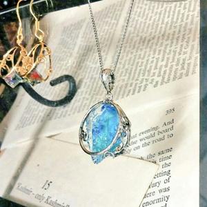 青鉱石のネックレス