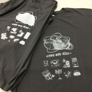 ONE OFF MINDTシャツ