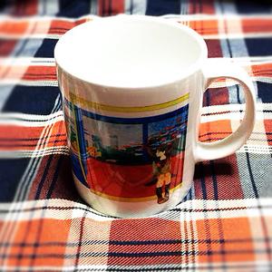 電車の中のマグカップ