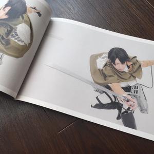 進撃の巨人 リヴァイ兵長 コス写真集 「HerZ」