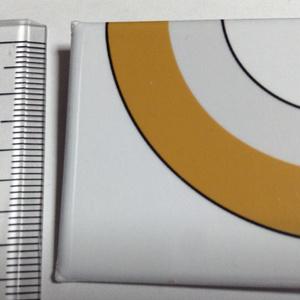 ながいきつね缶バッジ(胴体曲線) - 四角形40mm