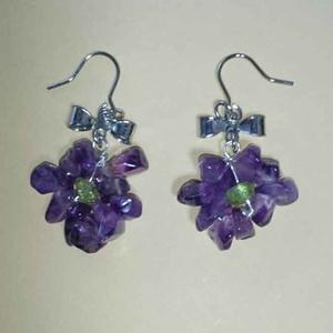 紫小花のピアス