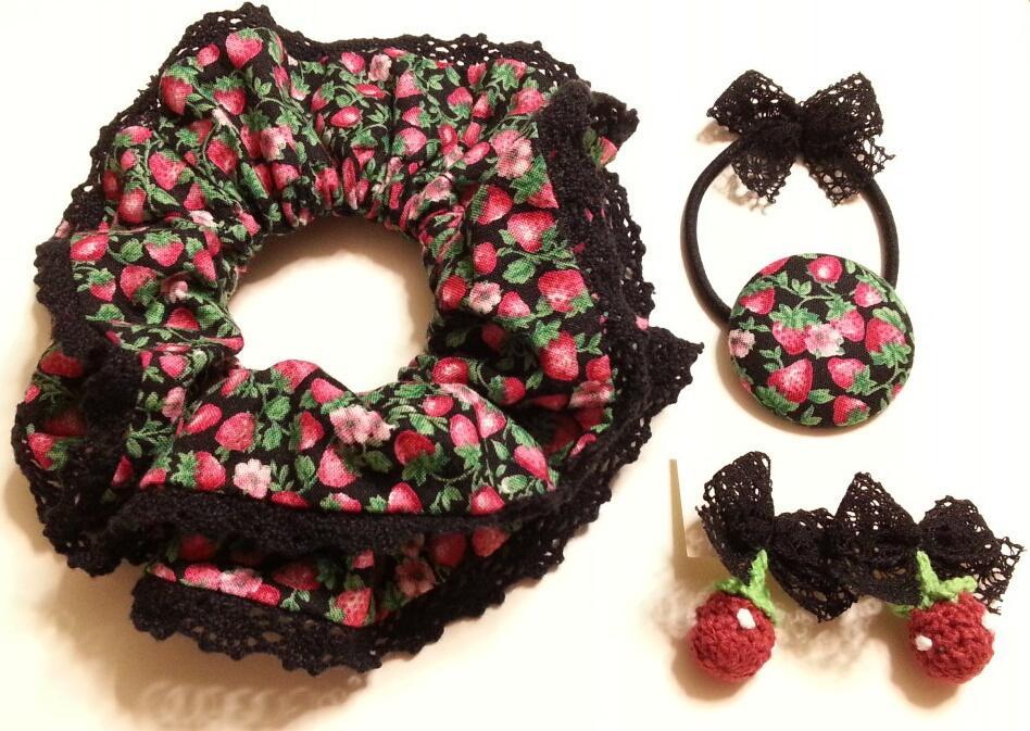 黒ずきんちゃんのイチゴつみ